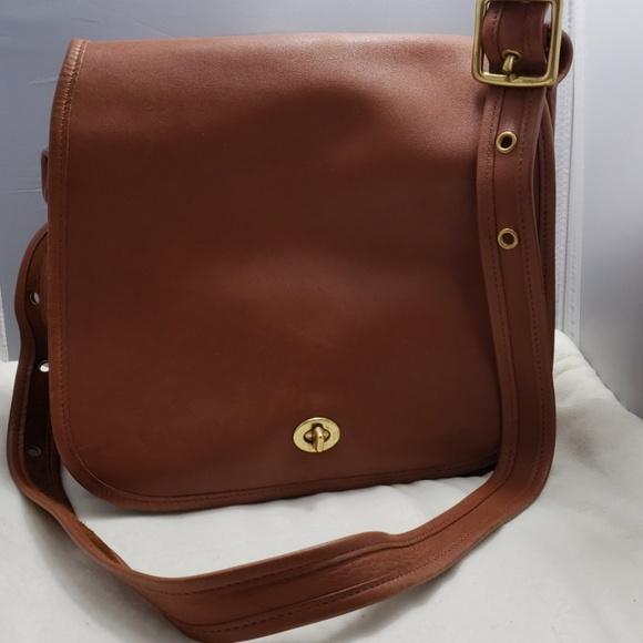 Coach Handbags - Coach Vintage leather crossbody